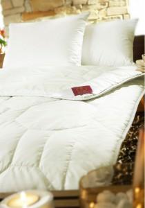 kaschmir decke exclusive decken von brinkhaus. Black Bedroom Furniture Sets. Home Design Ideas
