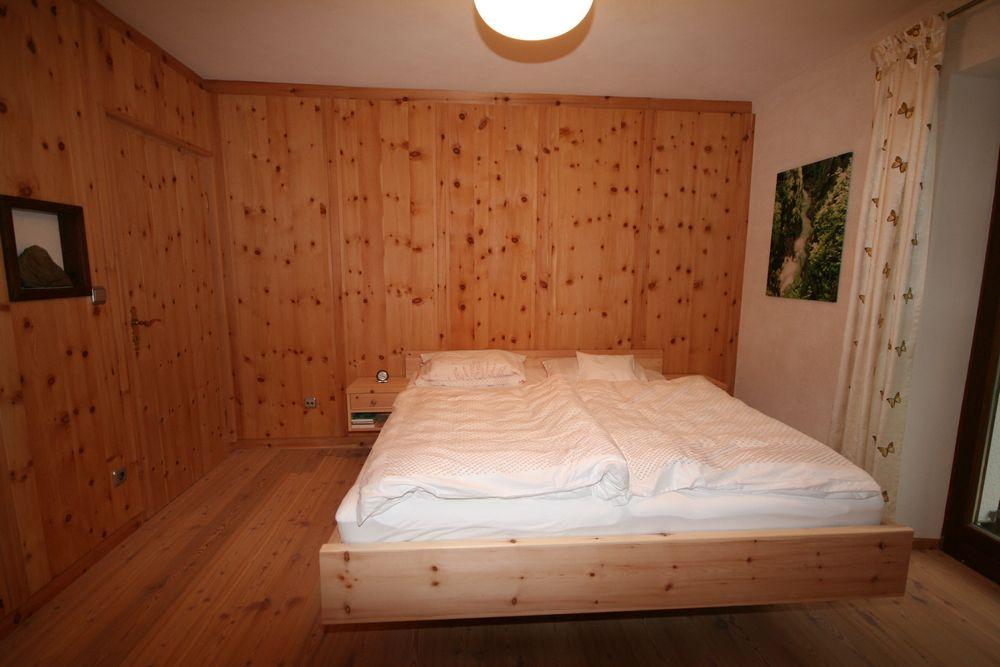 Zirbenholz Schlafzimmer, Gsund Schlafen Und Wohnen Loferer- Ihr ... Schlafzimmer Zirbenholz
