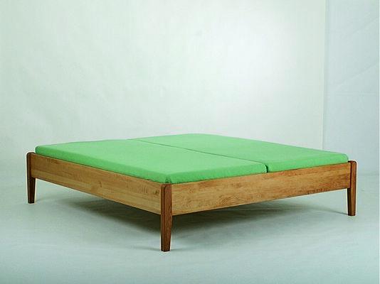 holzschmiede betten und einrichtung von der schreinerei loferer in holzkirchen bei m nchen. Black Bedroom Furniture Sets. Home Design Ideas