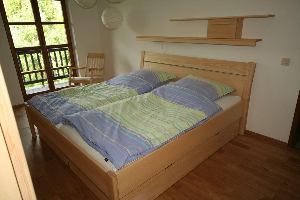 betten esche von der schreinerei loferer aus holzkirchen bei m nchen. Black Bedroom Furniture Sets. Home Design Ideas