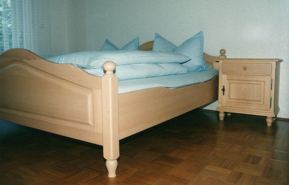 fichte bett alles ber wohndesign und m belideen. Black Bedroom Furniture Sets. Home Design Ideas