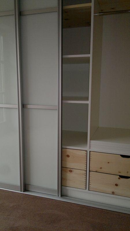 schlafzimmerschrank schiebet ren von der schreinerei. Black Bedroom Furniture Sets. Home Design Ideas