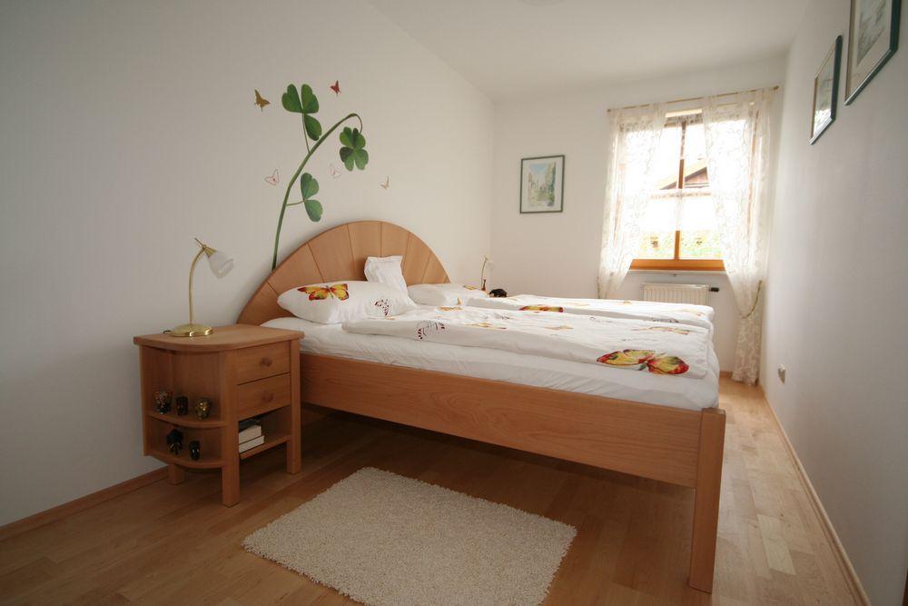 schlafzimmer buche von der schreinerei loferer aus holzkirchen bei m nchen. Black Bedroom Furniture Sets. Home Design Ideas