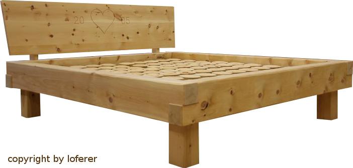 Bett aus balken bauen holzbett selber bauen mit anleitung for Balkenbett bauen
