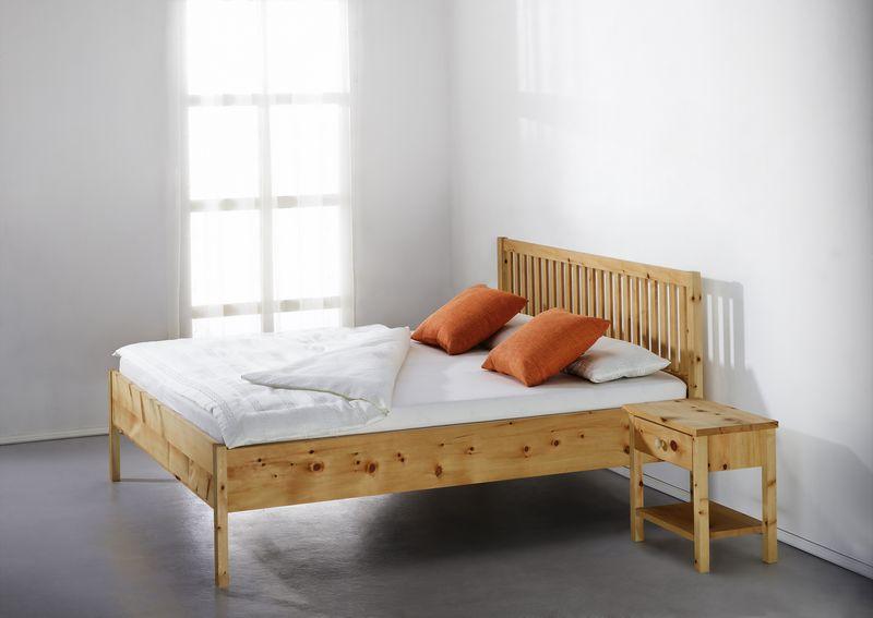 bett aus zirbenholz von der schreinerei loferer aus. Black Bedroom Furniture Sets. Home Design Ideas