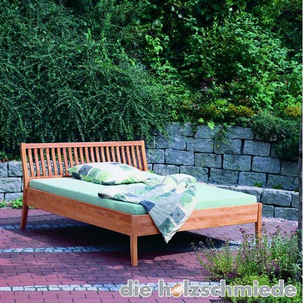 Bett Antonia im Garten