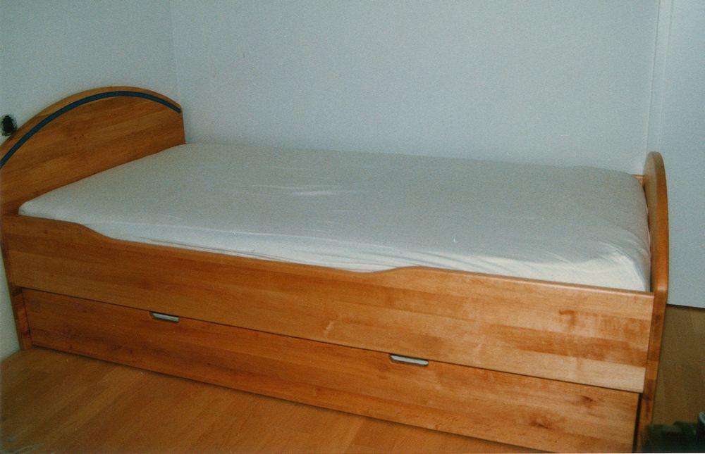 betten erle von der schreinerei loferer in sufferloh bei. Black Bedroom Furniture Sets. Home Design Ideas