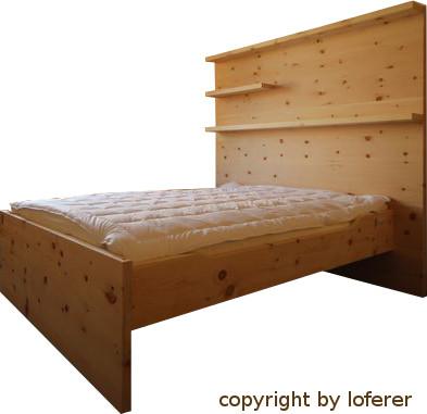 bett rosa von der schreinerei loferer aus holzkirchen. Black Bedroom Furniture Sets. Home Design Ideas