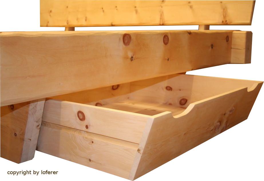 Balkenbett Zirbe mit Schublade
