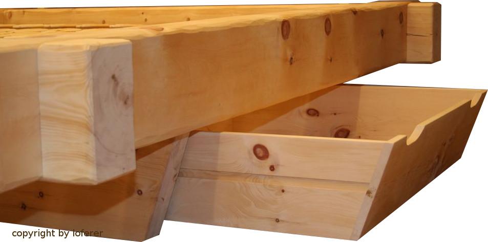 Balkenbett mit Schublade