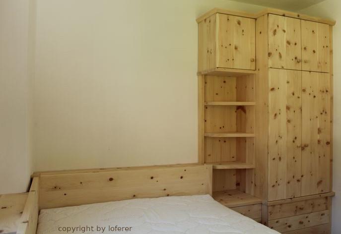 Zirbenholzschlafzimmer